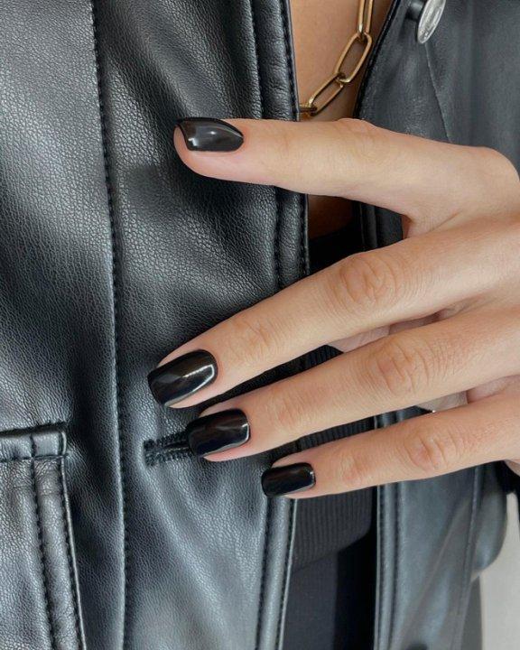 Маникюр Total black